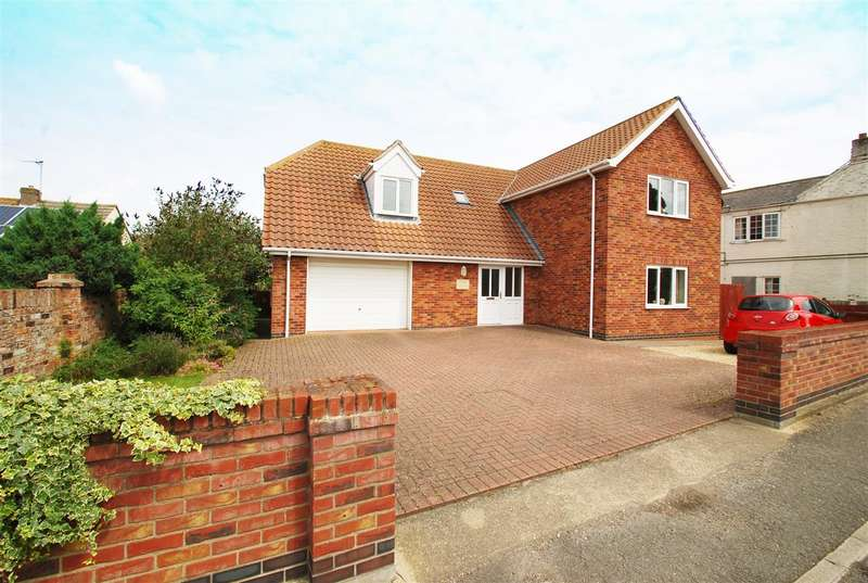 3 Bedrooms Detached House for sale in Post House, High Street, Ingoldmells