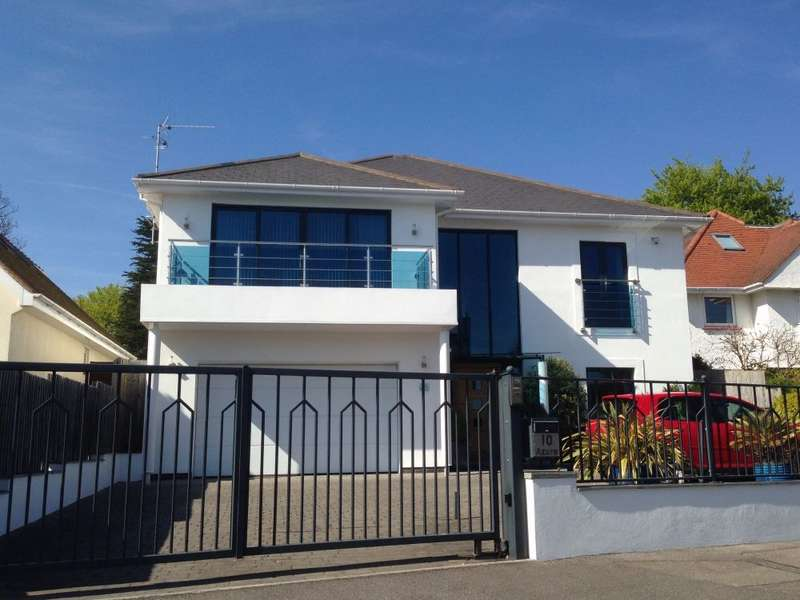 4 Bedrooms Detached House for sale in Elms Avenue, Lilliput, Poole, BH14