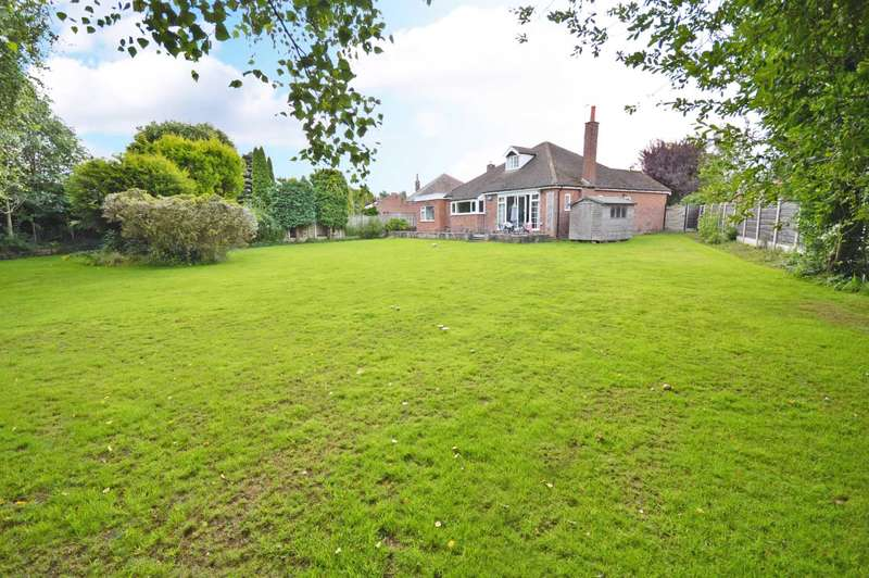 4 Bedrooms Detached Bungalow for sale in Glandon Drive, Cheadle Hulme
