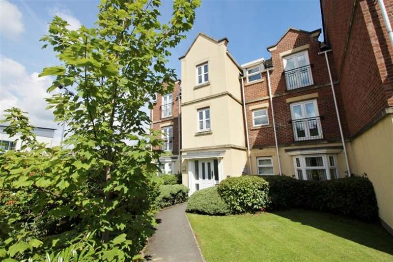 2 Bedrooms Flat for sale in Whitehall Drive, Lower Wortley, LS12