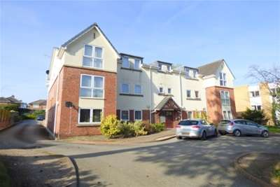 2 Bedrooms Flat for rent in Well Lane, Bebington