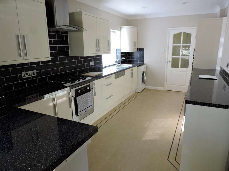 3 Bedrooms Semi Detached House for rent in Eldred Avenue, Brighton