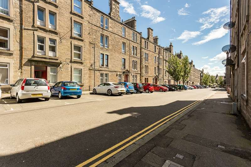 2 Bedrooms Flat for sale in Baldovan Terrace, Dundee, Angus, DD4 6NQ