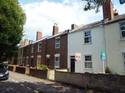 2 Bedrooms Terraced House for sale in Gloucester Road, Cheltenham, Gloucestershire