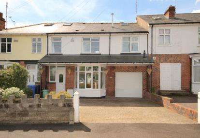 4 Bedrooms Semi Detached House for sale in Dobcroft Road, Sheffield, South Yorkshire