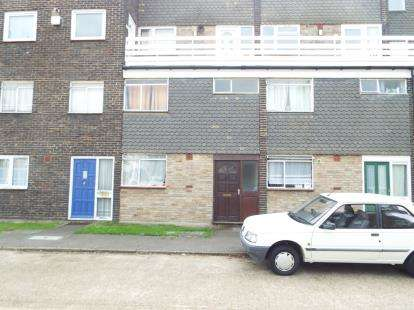 3 Bedrooms Maisonette Flat for sale in South Ockendon, Essex