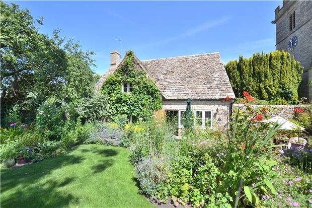 2 Bedrooms Cottage House for sale in Latchets, Oaksey, Wiltshire, SN16 9TG