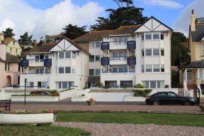 3 Bedrooms Flat for sale in 9 Marine Parade, Budleigh Salterton, Devon