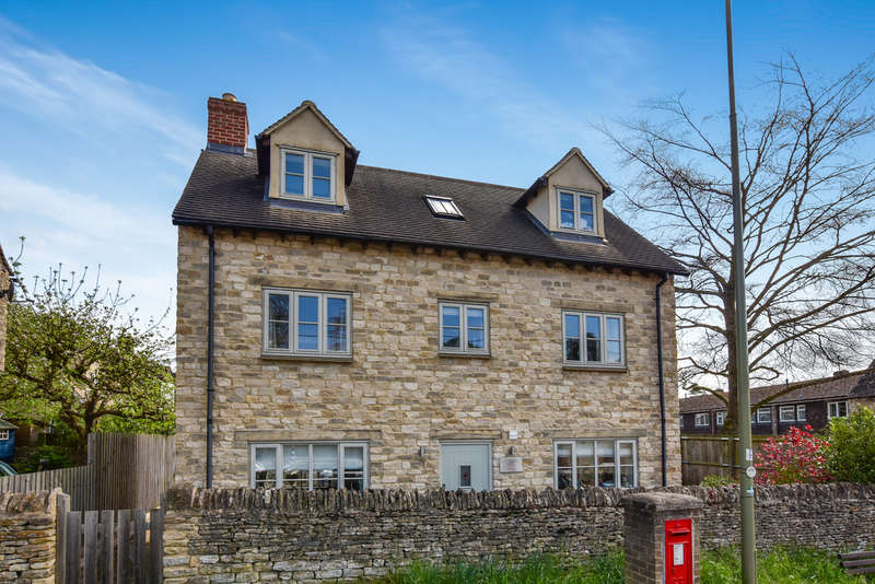3 Bedrooms Detached House for sale in Woodstock, Oxfordshire