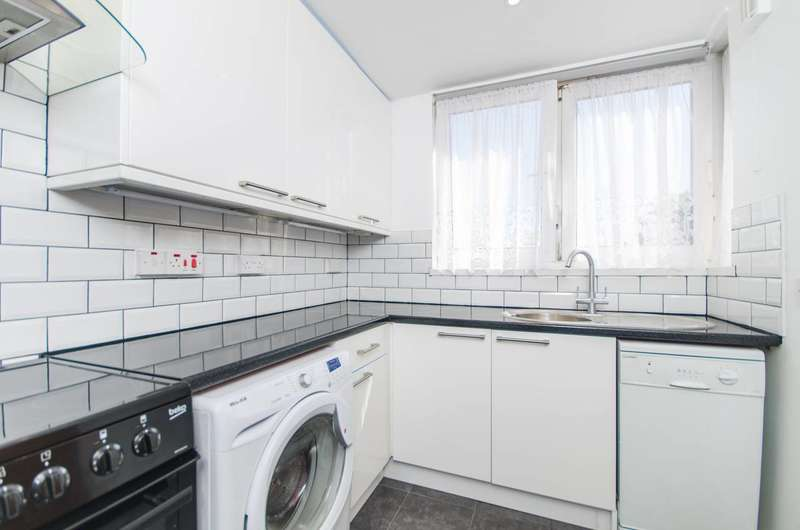 1 Bedroom Flat for sale in Woodland Grove, Greenwich, SE10