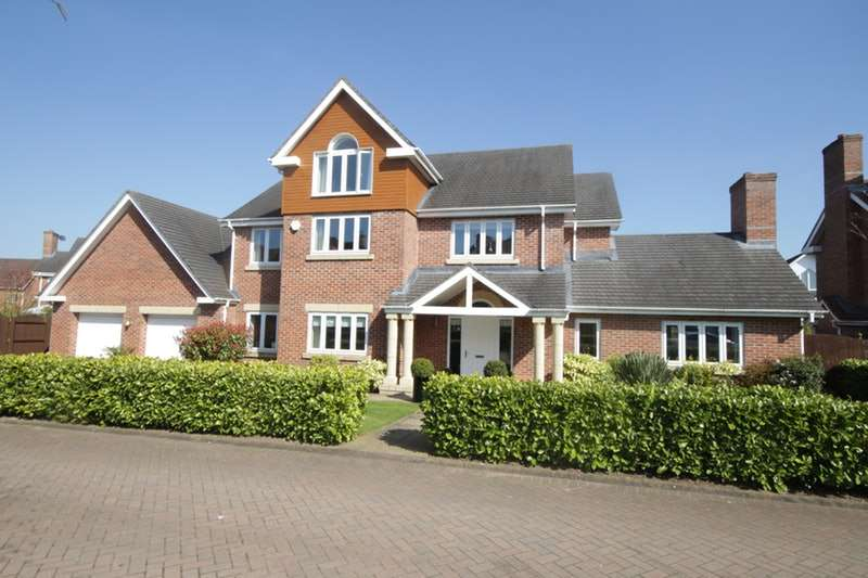 7 Bedrooms Detached House for sale in Hampstead Drive, Chorlton, Cheshire, Cheshire, CW2