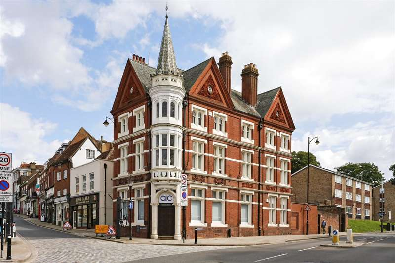 3 Bedrooms Flat for sale in High Street, Hemel Hempstead, Hertfordshire, HP1