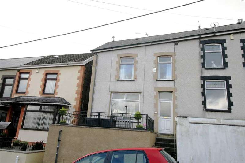3 Bedrooms Semi Detached House for sale in Gilfach Road, Penygraig, Tonypandy