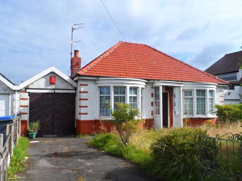 2 Bedrooms Bungalow for sale in Poulton Road, Blackpool, FY3 7JJ