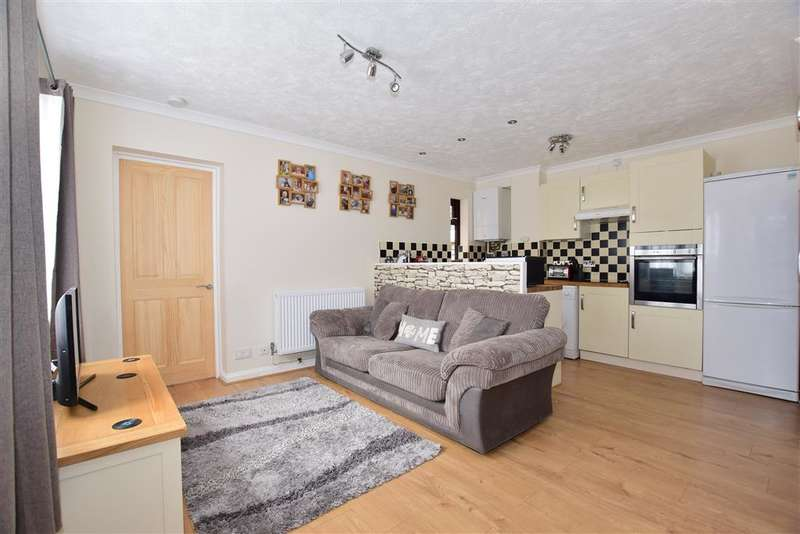 2 Bedrooms End Of Terrace House for sale in Swann Way, Broadbridge Heath, Horsham, West Sussex