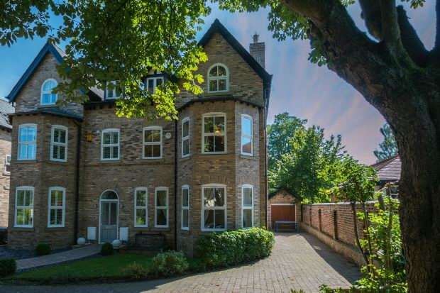5 Bedrooms Semi Detached House for sale in Kings Pine, Cavendish Road, Bowdon