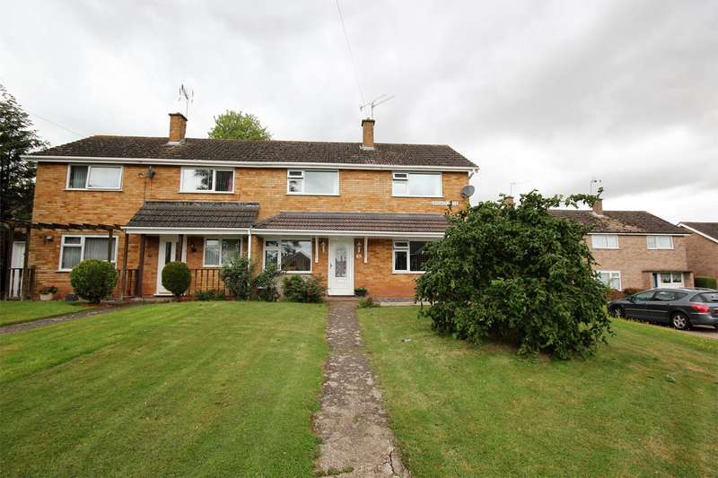 3 Bedrooms Semi Detached House for sale in Randwick Drive, Worcester, WR4