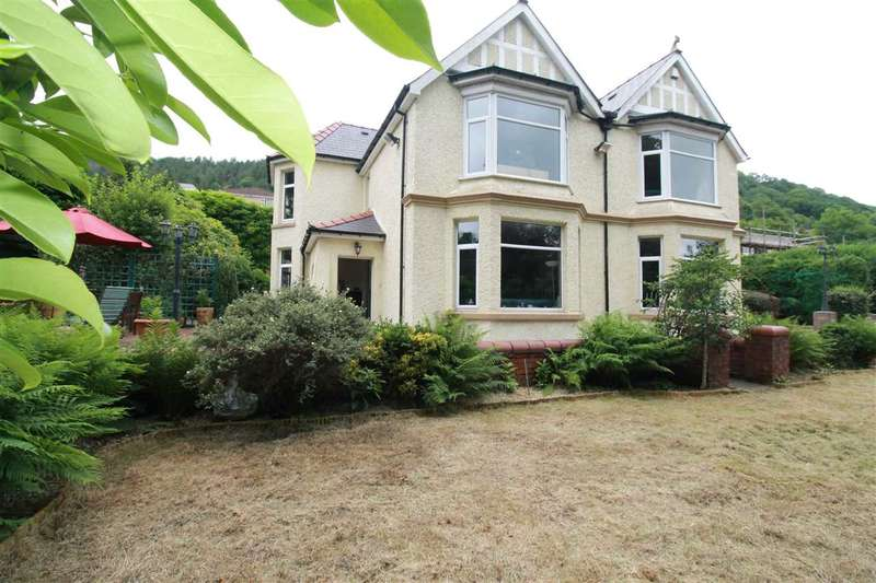 5 Bedrooms Detached House for sale in Brynderwen House, Tonypandy, Tonypandy