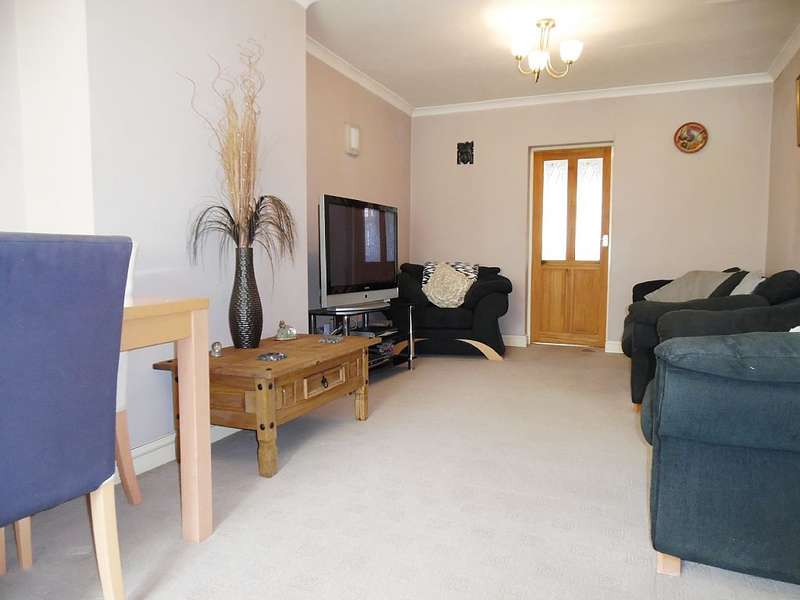 3 Bedrooms Semi Detached House for sale in Ashton Drive, Lancaster, Lancashire, LA1 2LH