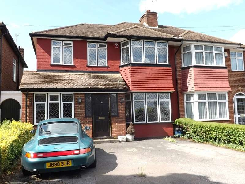 3 Bedrooms Semi Detached House for sale in Hartland Drive, Edgware, Greater London. HA8 8RH