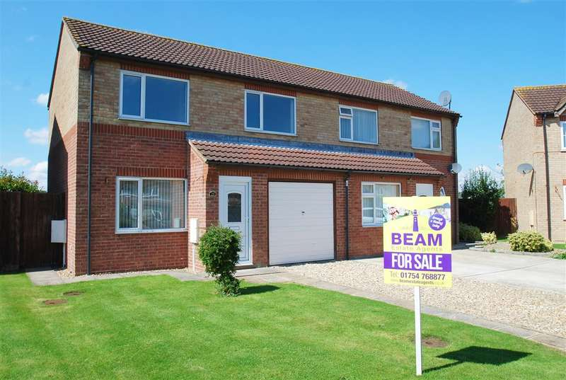 3 Bedrooms Semi Detached House for sale in Holland Drive, Skegness