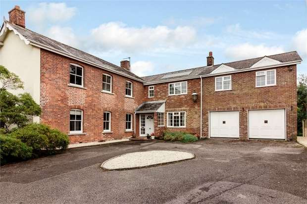 5 Bedrooms Detached House for sale in High Street, Chapmanslade, Frome, Wiltshire