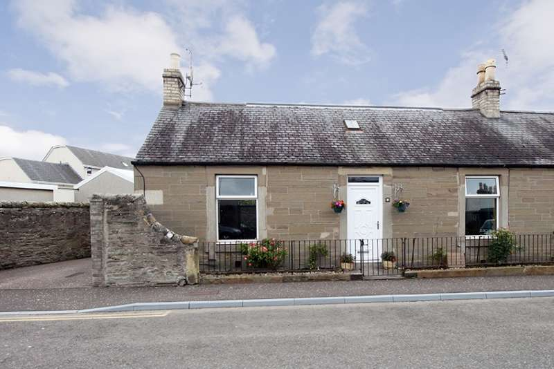 3 Bedrooms Semi Detached House for sale in North Burnside Street, Carnoustie, DD7 7PQ