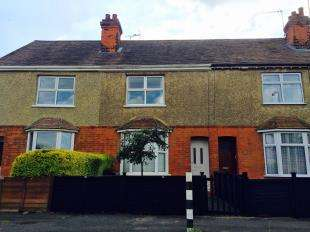 2 Bedrooms Terraced House for sale in Eastmead Avenue, Ashford, Kent