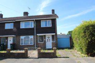 3 Bedrooms End Of Terrace House for sale in Caxton Close, Crawley, West Sussex