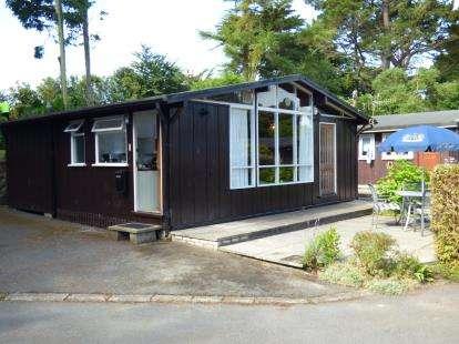 House for sale in Penarwel Chalets, Llanbedrog, Gwynedd, LL53