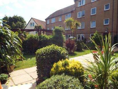 1 Bedroom Flat for sale in 34 Sea Road, Bournemouth, Dorset