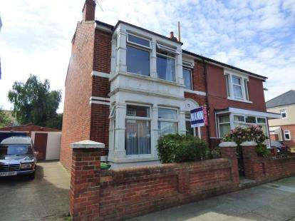 3 Bedrooms Semi Detached House for sale in Portsmouth, England, United Kingdom