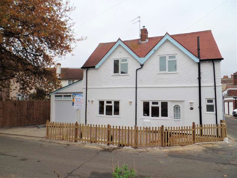2 Bedrooms Detached House for sale in Old Way, Frinton on Sea