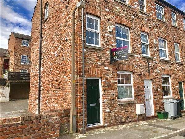 2 Bedrooms Maisonette Flat for sale in Lowe Street, Macclesfield