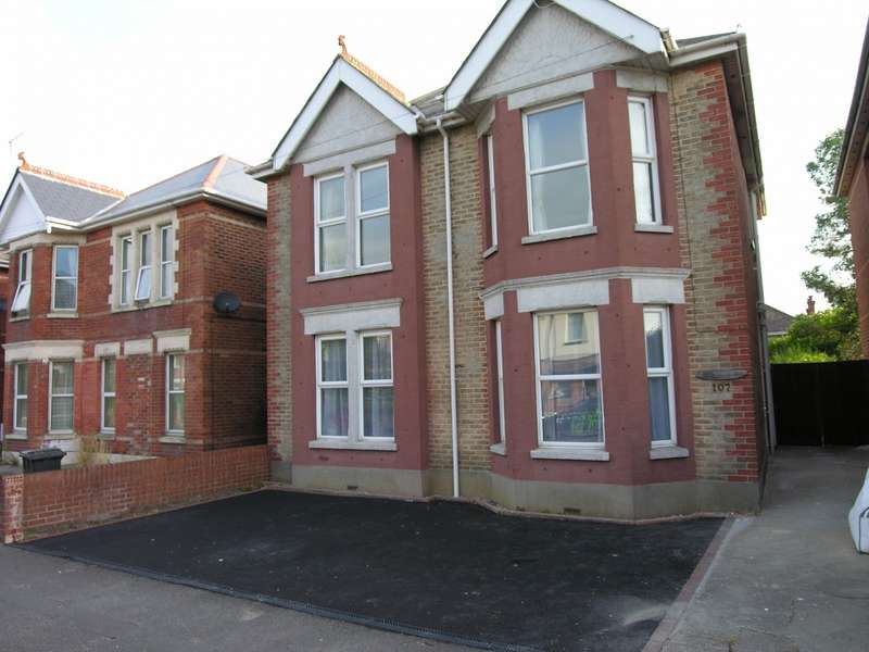 6 Bedrooms House for rent in 6 bedroom Detached House in Winton