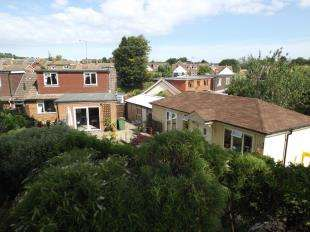 3 Bedrooms Bungalow for sale in Penlands Vale, Steyning, West Sussex