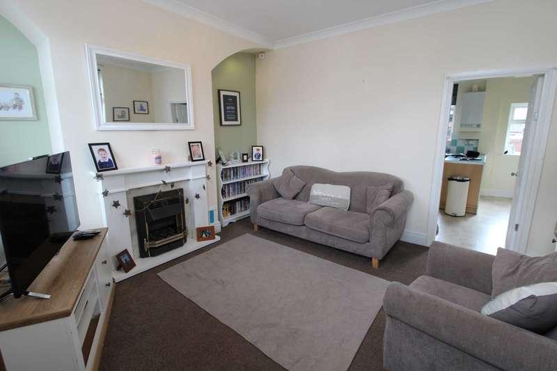 2 Bedrooms Terraced House for sale in Albert Street, Prestwich