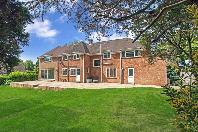 6 Bedrooms Detached House for sale in Thornden, Cowfold