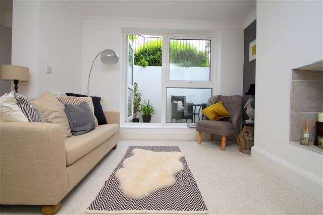 1 Bedroom Flat for sale in Flat 2, 1 Crescent Road, Brighton, BN2 3RP