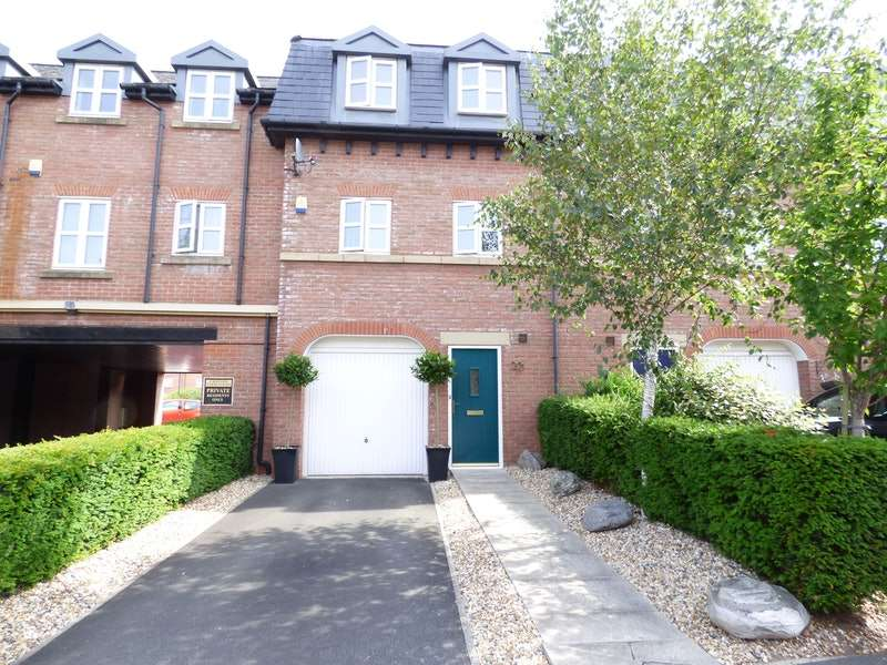 3 Bedrooms Town House for sale in Upton Rocks Avenue, Widnes, Cheshire, WA8