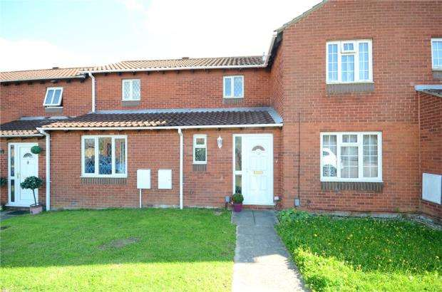 3 Bedrooms Terraced House for sale in Bridport Close, Lower Earley, Reading