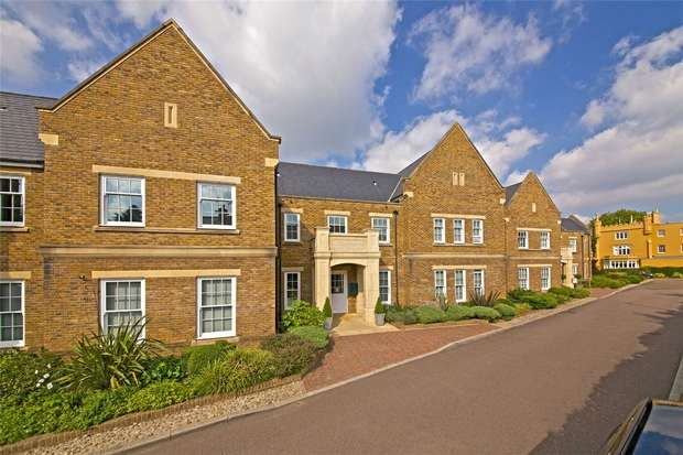 3 Bedrooms Flat for sale in Broadfield Way, Aldenham, Hertfordshire