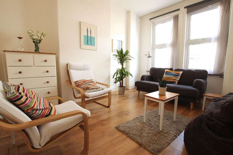 3 Bedrooms Terraced House for sale in Dowsett Road, London, N17