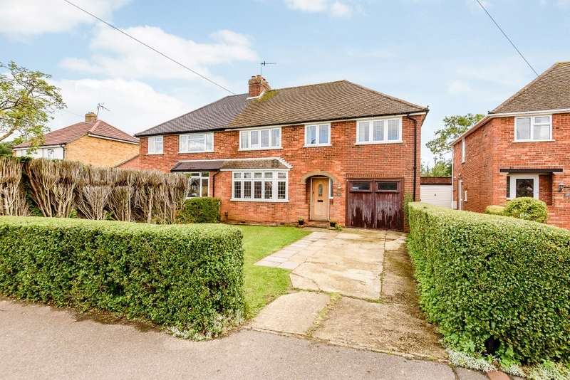 4 Bedrooms Semi Detached House for sale in Fairlands