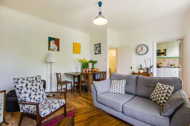 2 Bedrooms Flat for sale in Grove Park, Camberwell, SE5