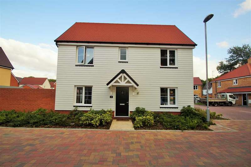 3 Bedrooms Detached House for sale in Murray McPherson Parade, Colchester