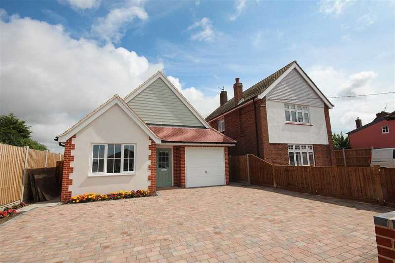 3 Bedrooms Bungalow for sale in The Street, Little Clacton