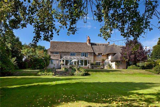 4 Bedrooms Cottage House for sale in Mill Street, Islip, Oxfordshire