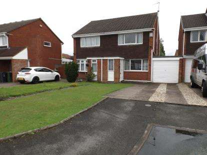 2 Bedrooms Semi Detached House for sale in Cranleigh Close, Sneyd Park, Willenhall, West Midlands