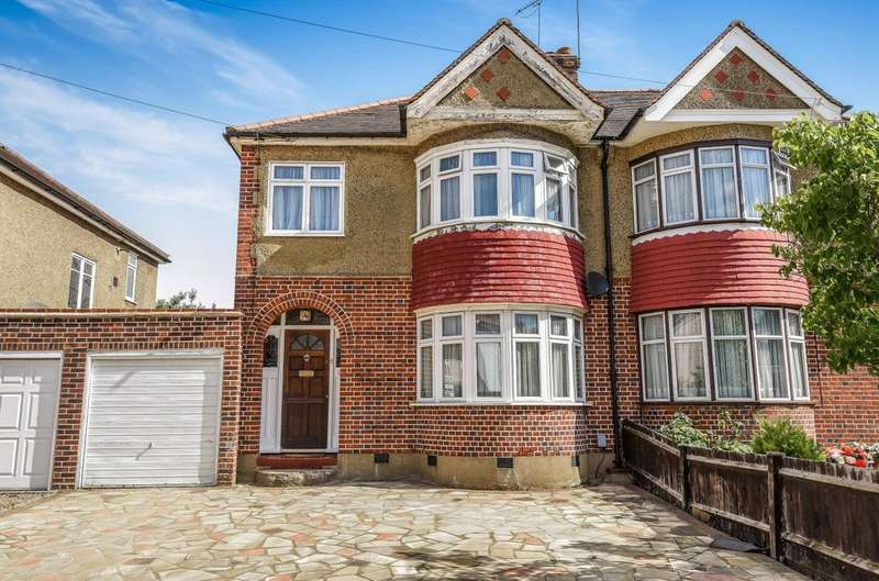 3 Bedrooms Semi Detached House for sale in Trevone Gardens, Pinner